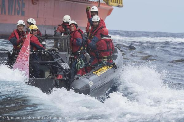 The Greenpeace activists make their way back to the MV Esperanze, April 11, 2015. Photo: Greenpeace