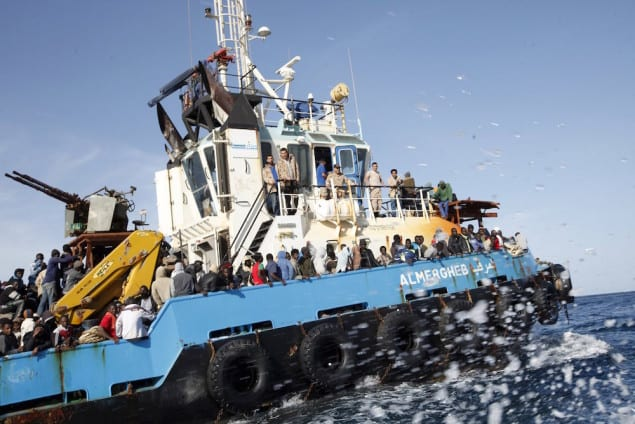 A Libyan Navy boat carries migrants back to the coastal city of Misrata May 3, 2015. REUTERS/Ismail Zitouny