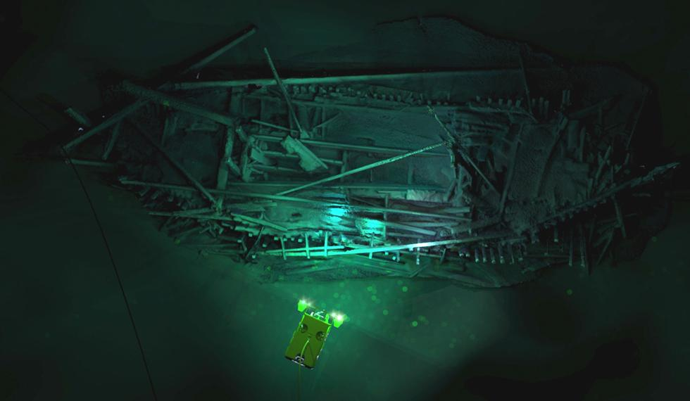 Photogrammetric model of Ottoman wreck overlaid with Supporter ROV. Credit: EEF, Black Sea MAP