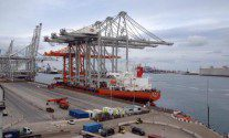 Rotterdam Terminal Gets Three More Super Post Panamax Cranes