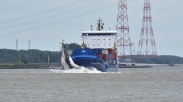Historic German Schooner Sinks After Collision with Containership on Elbe River